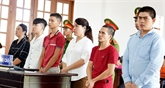 Jugement de six personnes accusées de perturber l'ordre public