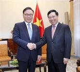 Le consul général honoraire du Vietnam en R. de Corée reçu à Hanoï
