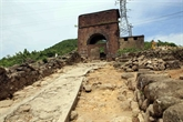 Centre: des vestiges archéologiques découverts à la porte de Hai Vân