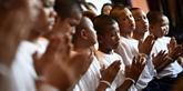 Thaïlande : les jeunes rescapés sont sortis de leur retraite en hommage au plongeur mort