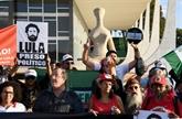 Présidentielle au Brésil: Lula lancé dans l'arène depuis la prison