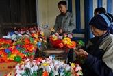 Huê: particularité du métier artisanal traditionnel de fabrication de fleurs en papier