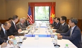 Le vice-Premier ministre Trinh Dinh Dung reçoit des représentants d'entreprises américaines