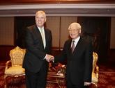 Le secrétaire général Nguyên Phu Trong rencontre le prince Andrew en Hongrie
