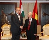 Nguyên Phu Trong rencontre le président du Parti ouvrier hongrois