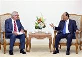 Nguyên Xuân Phuc reçoit un sous-secrétaire d'État au Commerce des États-Unis