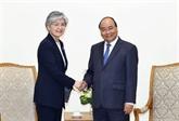 Nguyên Xuân Phuc reçoit la ministre sud-coréenne des AE, Kang Kyung-wha