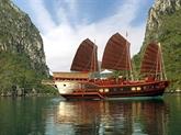 Deux paquebots de croisière à Ha Long reçoivent le label écologique