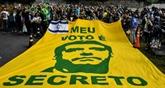 Présidentielle au Brésil: Bolsonaro et Haddad en tête des intentions de vote