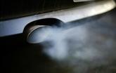 Émissions polluantes: enquête de l'UE contre BMW, Daimler et Volkswagen