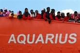 Migrants: le navire humanitaire Aquarius fait route vers Marseille