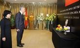 Des dirigeants étrangers rendent hommage au président Trân Dai Quang