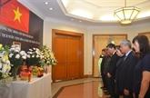 Cérémonie funéraire du président Trân Dai Quang à l'étranger