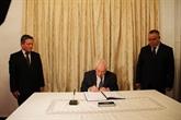 Le président du Conseil de la Nation d'Algérie rend hommage au président Trân Dai Quang