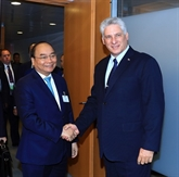 Le Premier ministre Nguyên Xuân Phuc rencontre des dirigeants