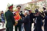 Le chef du PCV rend hommage au Président Hô Chi Minh à Moscou