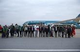 Les premiers visiteurs étrangers de 2019 arrivent à Hanoï et HCM-Ville