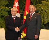 Les dirigeants vietnamiens félicitent Cuba à l'occasion de sa Fête nationale