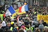 À Paris, plusieurs milliers de