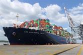 Le plus gros porte-conteneur de la CMA CGM accoste à Bà Ria-Vung Tàu