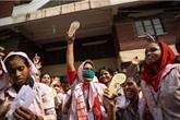 Bangladesh: les ouvriers du textile en grève pour de meilleurs salaires