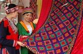 Ouverture de la première fête de la brocatelle du Vietnam
