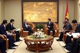 Le vice-Premier ministre Vu Duc Dam reçoit le président de Microsoft d'Asie