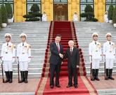 Échange des messages de félicitations à l'occasion des 69 ans des liens diplomatiques