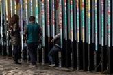 Trump propose un statut temporaire pour des immigrants en échange du mur