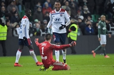 Ligue 1: le derby pour Lyon, Marseille stoppe la série noire