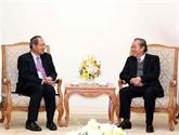 Le vice-PM Truong Hoà Binh reçoit le procureur général de Singapour