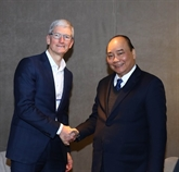 Le PM vietnamien recoit les dirigeants de groupes de premier rang mondial