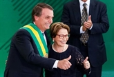 Brésil: le gouvernement Bolsonaro en place, salué par la Bourse