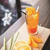 Thé à la pêche, orange et cannelle