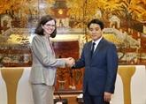 Le président de Hanoï reçoit la nouvelle ambassadrice du Canada