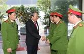 Têt: le vice-Premier ministre permanent rend visite au ministère de la Police