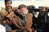 Dans l'Est de la Syrie, des civils et jihadistes fuient le dernier bastion de l'EI