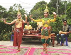 Loriginalité de la fête dOk Om Bok des Khmers à Trà Vinh