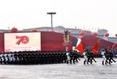La parade de masse salue la fondation et la construction de la RPC