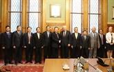 Le vice-président de l'AN Phùng Quôc Hiên en visite de travail en Hongrie
