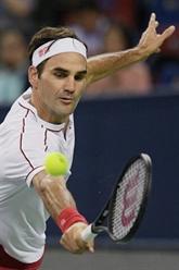 Tennis : à Shanghai, Djokovic survole, Federer survit