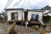 Près de 70 morts au Japon, les secours s'activent toujours