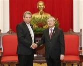 Pour resserrer les relations entre les deux PC vietnamien et cubain