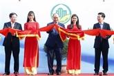 Le PM Nguyên Xuân Phuc assiste à une exposition sur la nouvelle ruralité