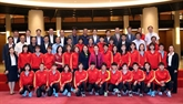 La présidente de lAN rencontre des footballeuses nationales