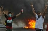 Plus de 60 morts, un sit-in au Parlement fait monter la pression sur le gouvernement