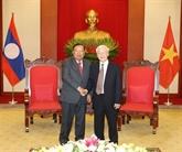 Le chef du Parti et président vietnamien reçoit son homologue laotien