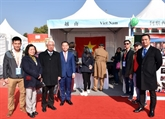 Le Vietnam participe au 11e Bazar international de charité à Pékin