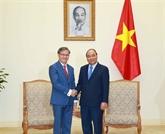 Le Premier ministre Nguyên Xuân Phuc reçoit l'ambassadeur laotien