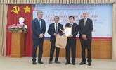 Le médecin Phu Chi Dung honoré par l'Université Grenoble Alpes